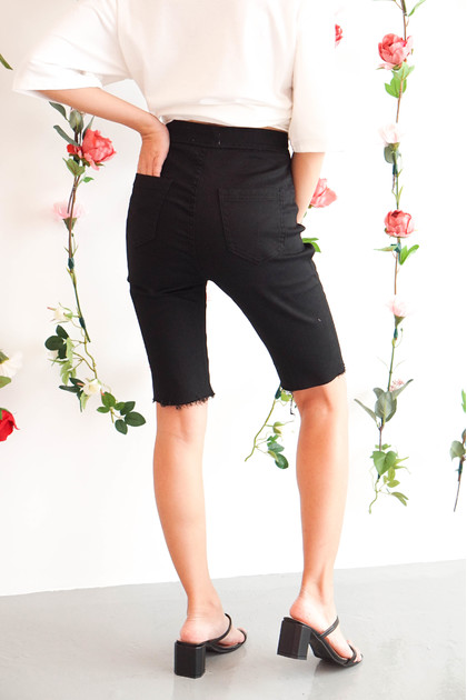 Payback Cropped Jeans in Black