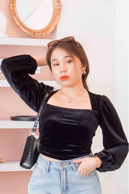 Low Key Glam Velvet Puffy Sleeves Top in Black
