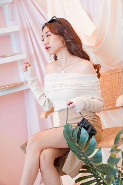 (BACKORDER) Chai Latte Off Shoulder Knit Top in Beige