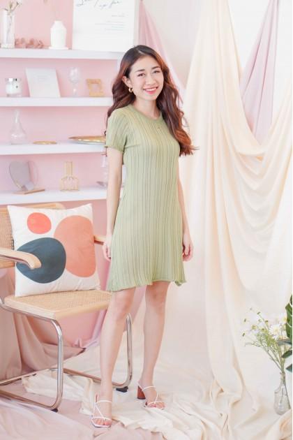 (BACKORDER) Melly Knit Shift Dress in Green