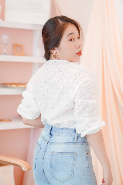 (BACKORDER) Seoul Wave Long Sleeve Crochet Top in White