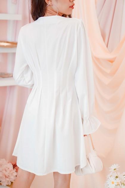 Making Scenes Button Dress in White