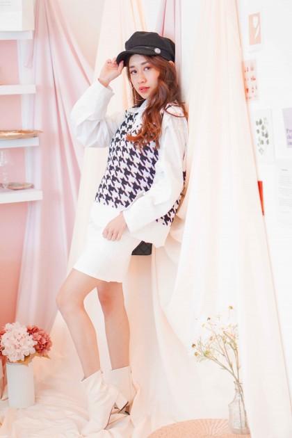 Pop Girl Knit Vest in Houndstooth