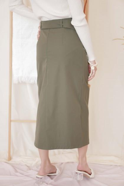 Turn Heads Midi Slit Skirt in Green