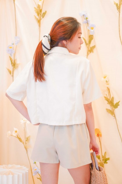 Cream Tales Short Sleeve Blazer in Beige