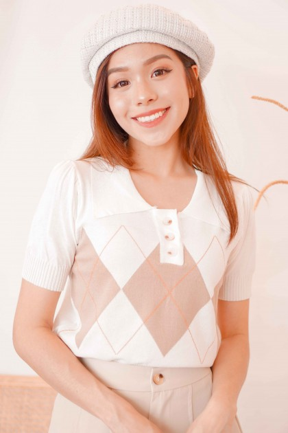 Preppy Style Knit Collar Top in White