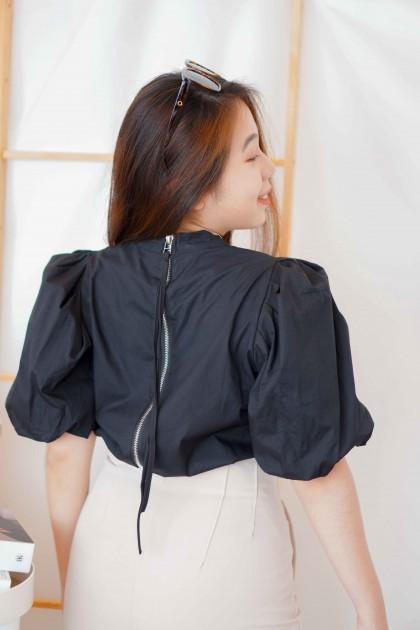 Savina Puffy Shoulder Top in Black