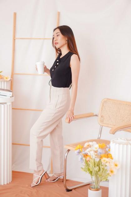 Madison Collar Sleeveless Knit Top in Black