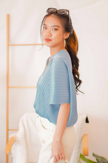 Zoe V Neck Pleated Top in Blue