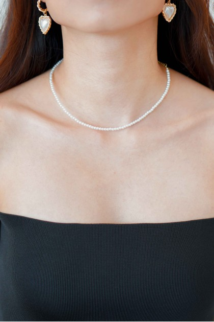(BACKORDER) Hollywood Star Pearl Necklace