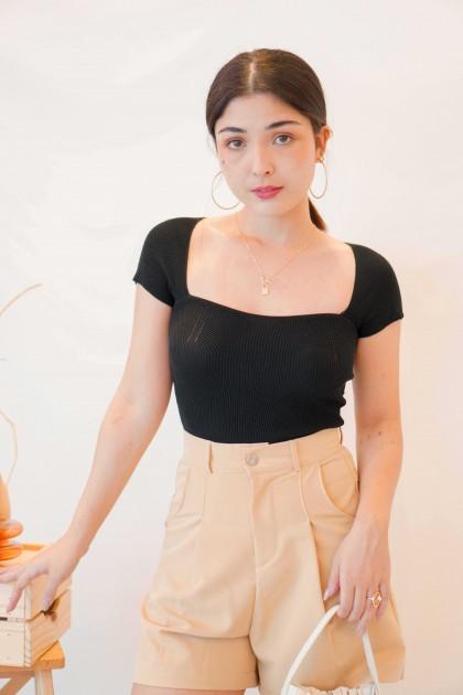 Lola Sweetheart Knit Top in Black